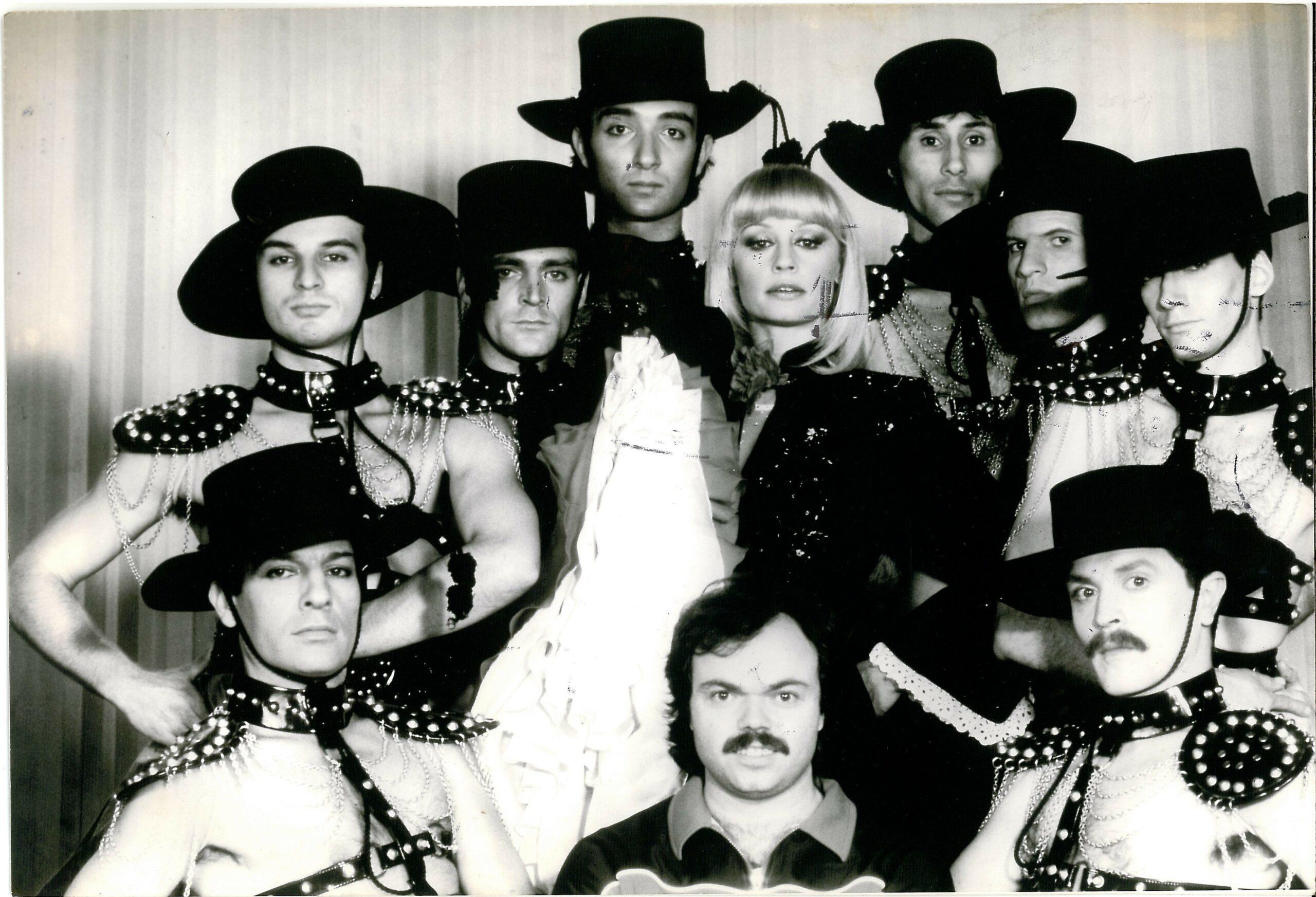 Raffaella Carrà durante uno spettacolo_anni 1970